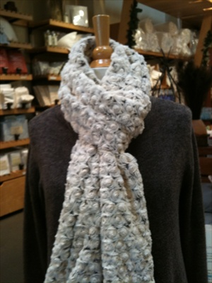 Lux-Plush Rosebud Scarves