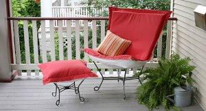 Patio Scroll Puff Chair
