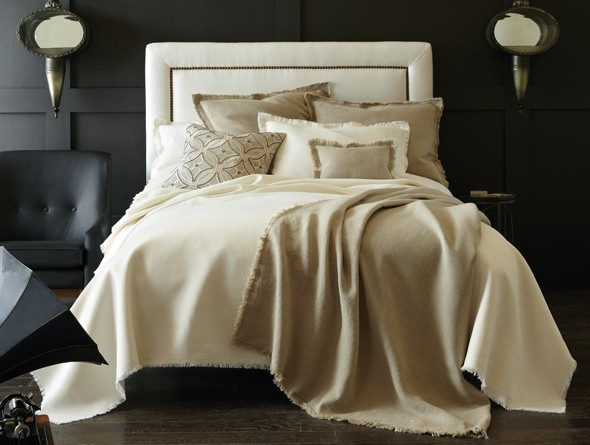 Braga Blanket & Shams