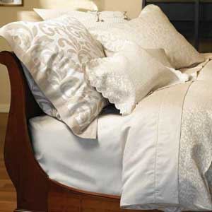 Purists Petite Jasmine Linen-Cotton Bedding