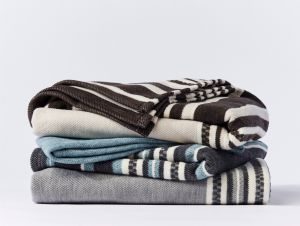 Mariposa organic cotton cozy blanket